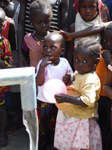The Water Project : sierraleone5074-39-children