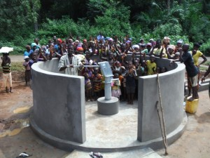 The Water Project : sierraleone5074-40-the-group
