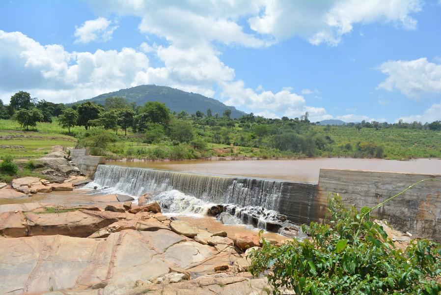 Kenya4384 30 Finished dam