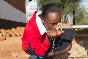 The Water Project : kenya4393-58-clean-water
