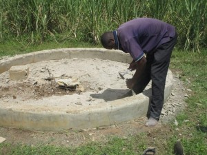The Water Project : kenya4398-36-pad-construction