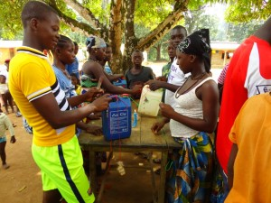 The Water Project : sierraleone5075-13-hygiene-training