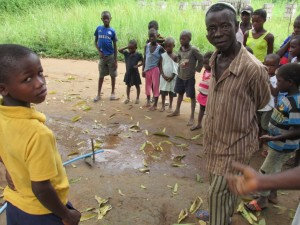 The Water Project : sierraleone5075-39-yield-testing