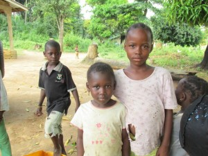 The Water Project : sierraleone5075-44