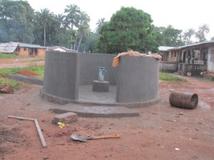 The Water Project : sierraleone5075-45-pump-installation