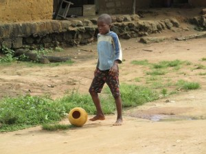 The Water Project : sierraleone5075-55