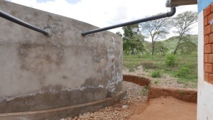 The Water Project : kenya4393-38-piping