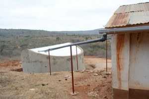 The Water Project : kenya4395-24-tank-and-piping