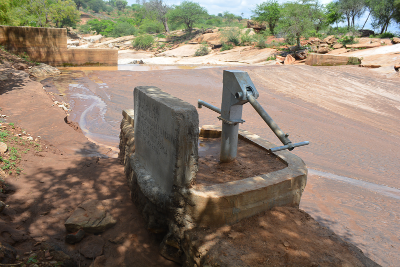 The Water Project : kenya4454-03-well-and-dam