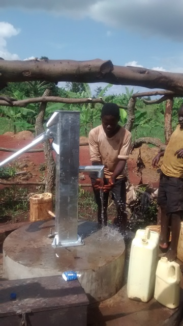 The Water Project : uganda6062-15-clean-water