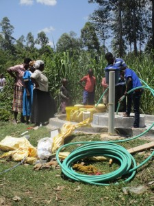 The Water Project : 12-kenya4511-test-pumping