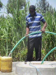 The Water Project : 14-kenya4511-test-pumping