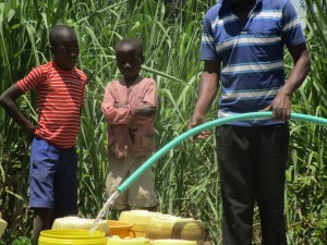 The Water Project : 15-kenya4511-test-pumping