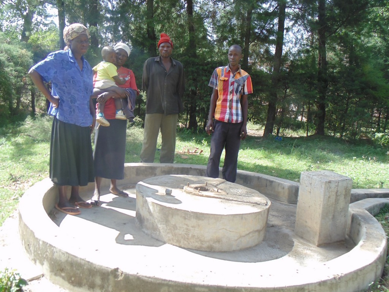 The Water Project : 15-kenya4514-rehab-well