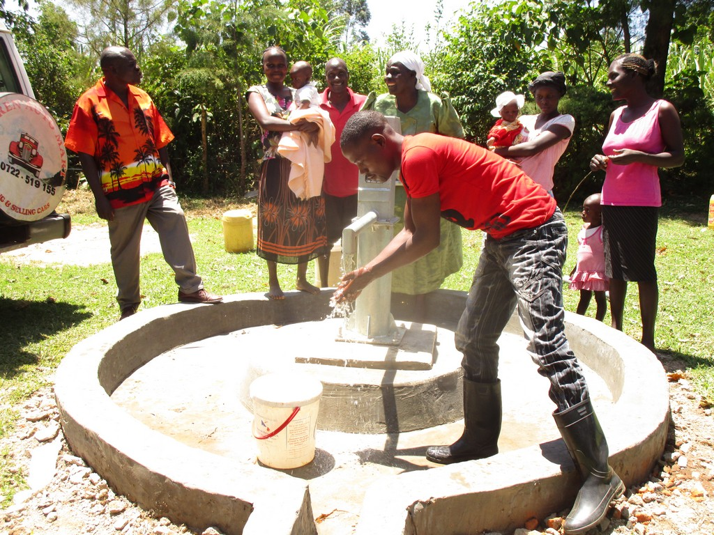 The Water Project : 16-kenya4513-handing-over