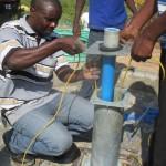 The Water Project : 17-kenya4511-pump-installation