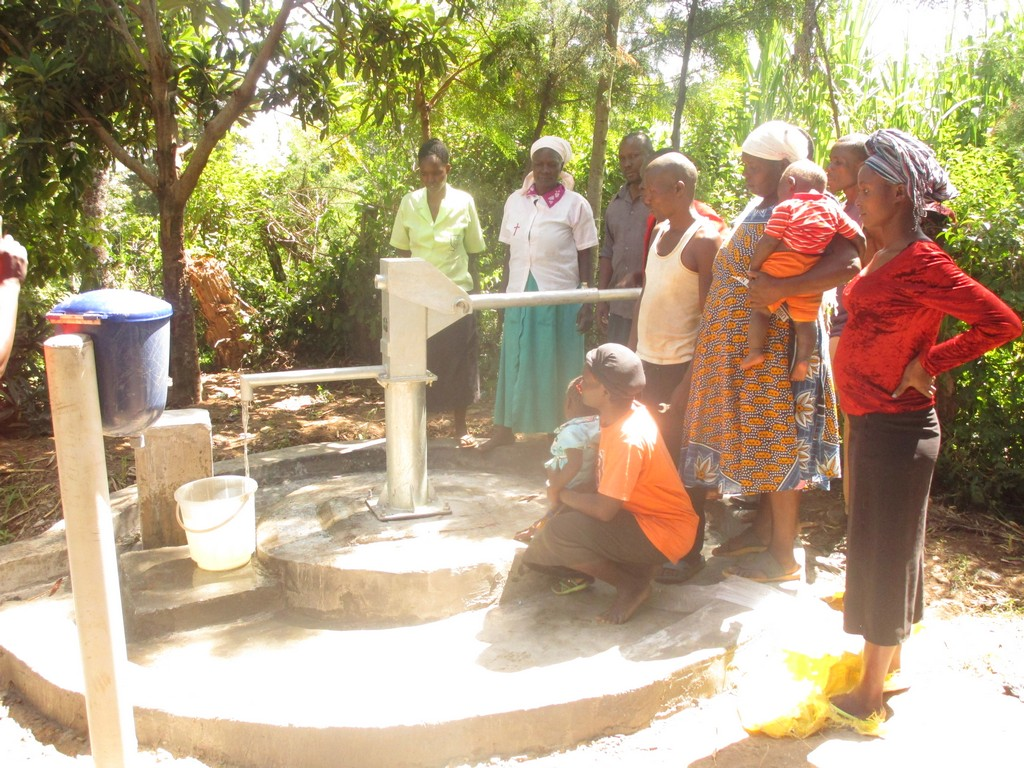 The Water Project : 23-kenya4510-handing-over