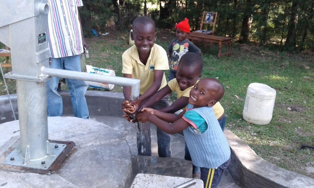 The Water Project : 28-kenya4514-handing-over