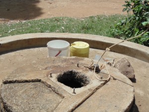 The Water Project : 7-kenya4511-rehab-well
