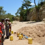 The Water Project : 13-kenya4459-fetching-water
