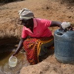 The Water Project : 13-kenya4476-fetching-water