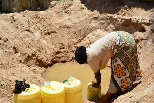 The Water Project : 14-kenya4459-fetching-water