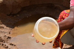 The Water Project : 15-kenya4476-fetching-water