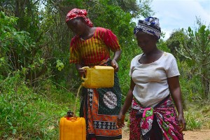 The Water Project : 18-kenya4478-fetching-water-2