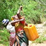 The Water Project : 20-kenya4478-fetching-water