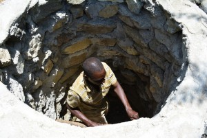 The Water Project : 20-kenya4480-construction