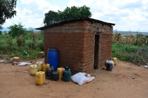 The Water Project : 5-kenya4475-household