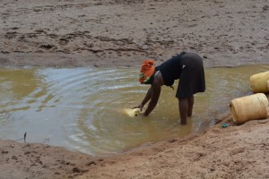 The Water Project : 7-kenya4479-fetching-water