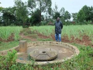 The Water Project : 11-kenya4522-broken-well