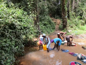 The Water Project : 2-sierraleone5082-current-water-source