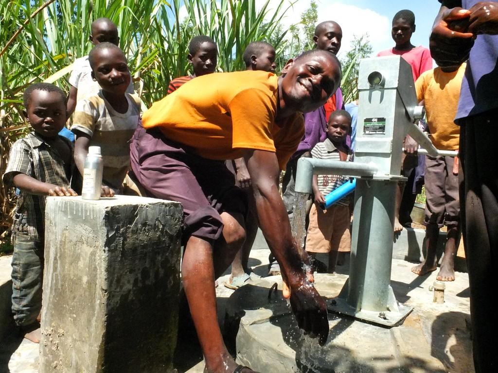 The Water Project : 4-kenya4518-handing-over