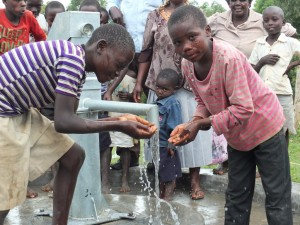 The Water Project : 4-kenya4521-handing-over