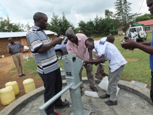 The Water Project : 5-kenya4521-pump-installation