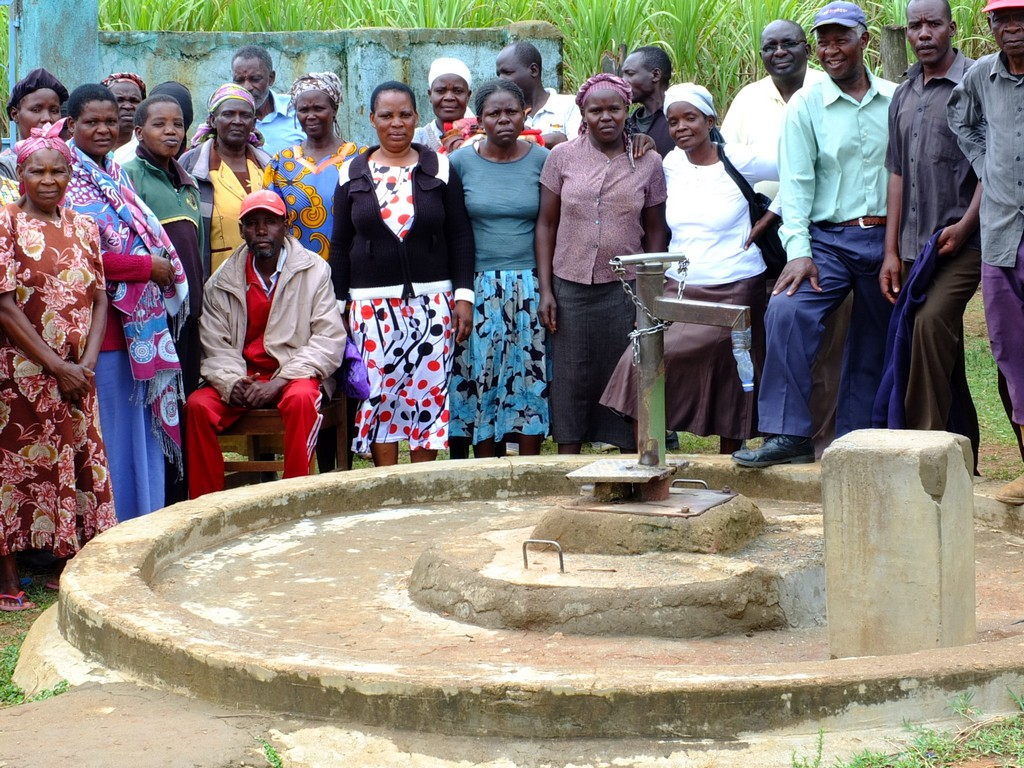 The Water Project : 9-kenya4523-community