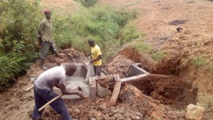 The Water Project : 19-kenya4561-construction