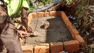 The Water Project : 25-kenya4556-sanplat-construction