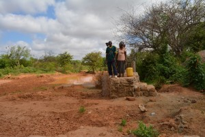 The Water Project : 30-kenya4479-finished-well