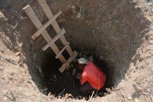 The Water Project : 35-kenya4478-construction
