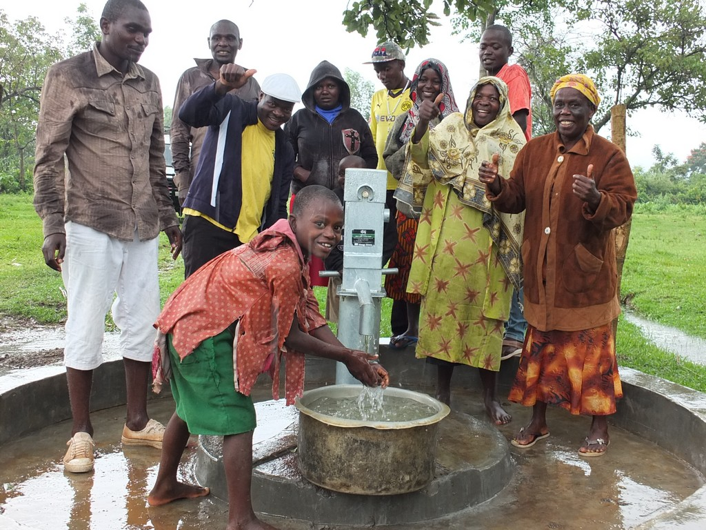The Water Project : 4-kenya4517-handing-over