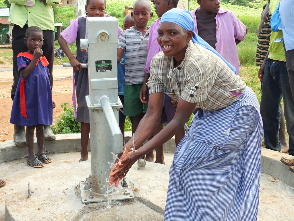 The Water Project : 57-kenya4519-handing-over