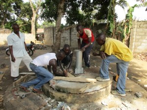 The Water Project : 62-sierraleone5096-construction-and-installation