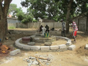 The Water Project : 65-sierraleone5096-construction-and-installation