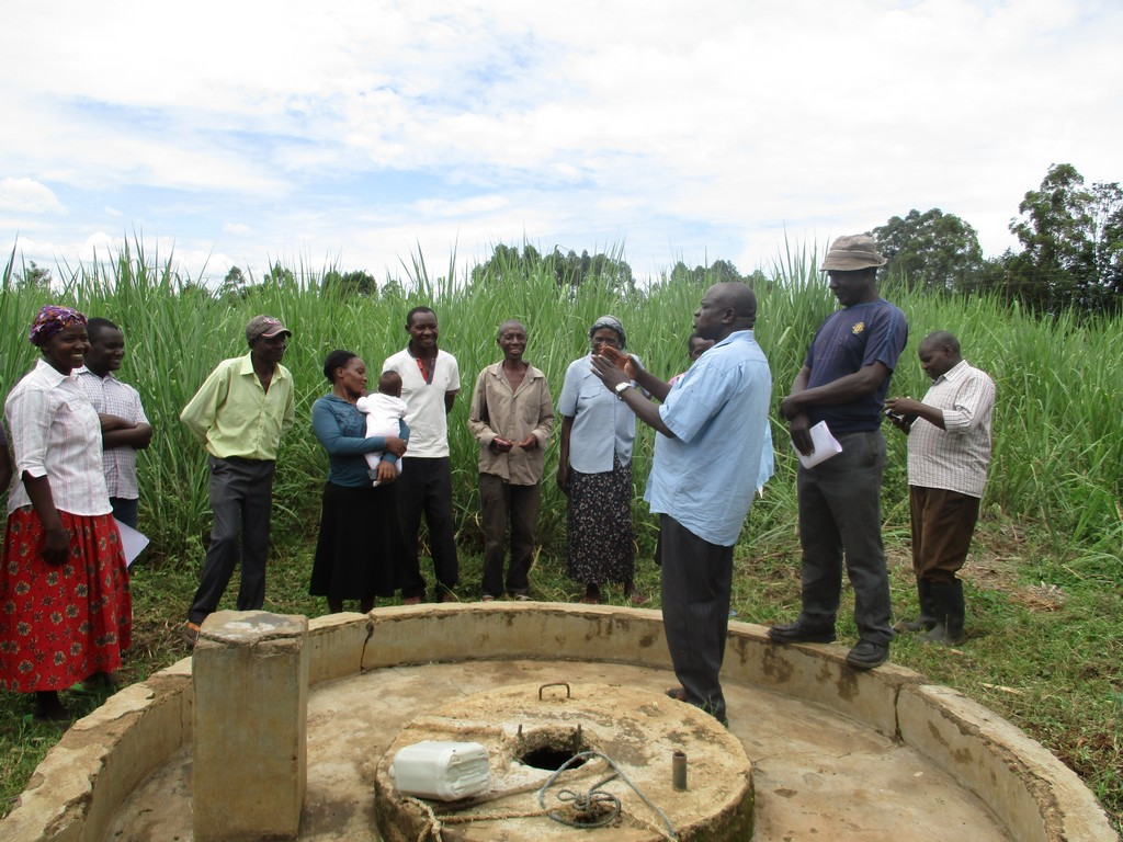 The Water Project : 13-kenya4527-unprotected-well