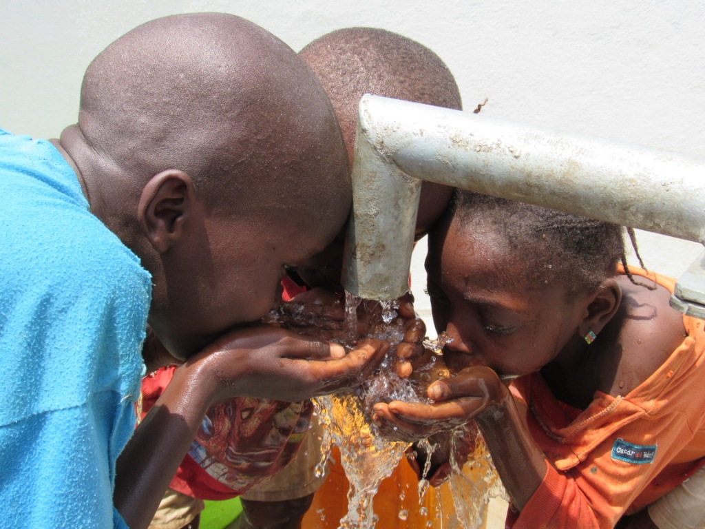 The Water Project : 14-sierraleone5080-dedication