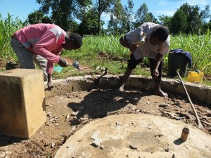 The Water Project : 23-kenya4522-construction