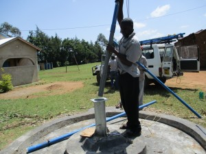 The Water Project : 31-kenya4523-pump-installation